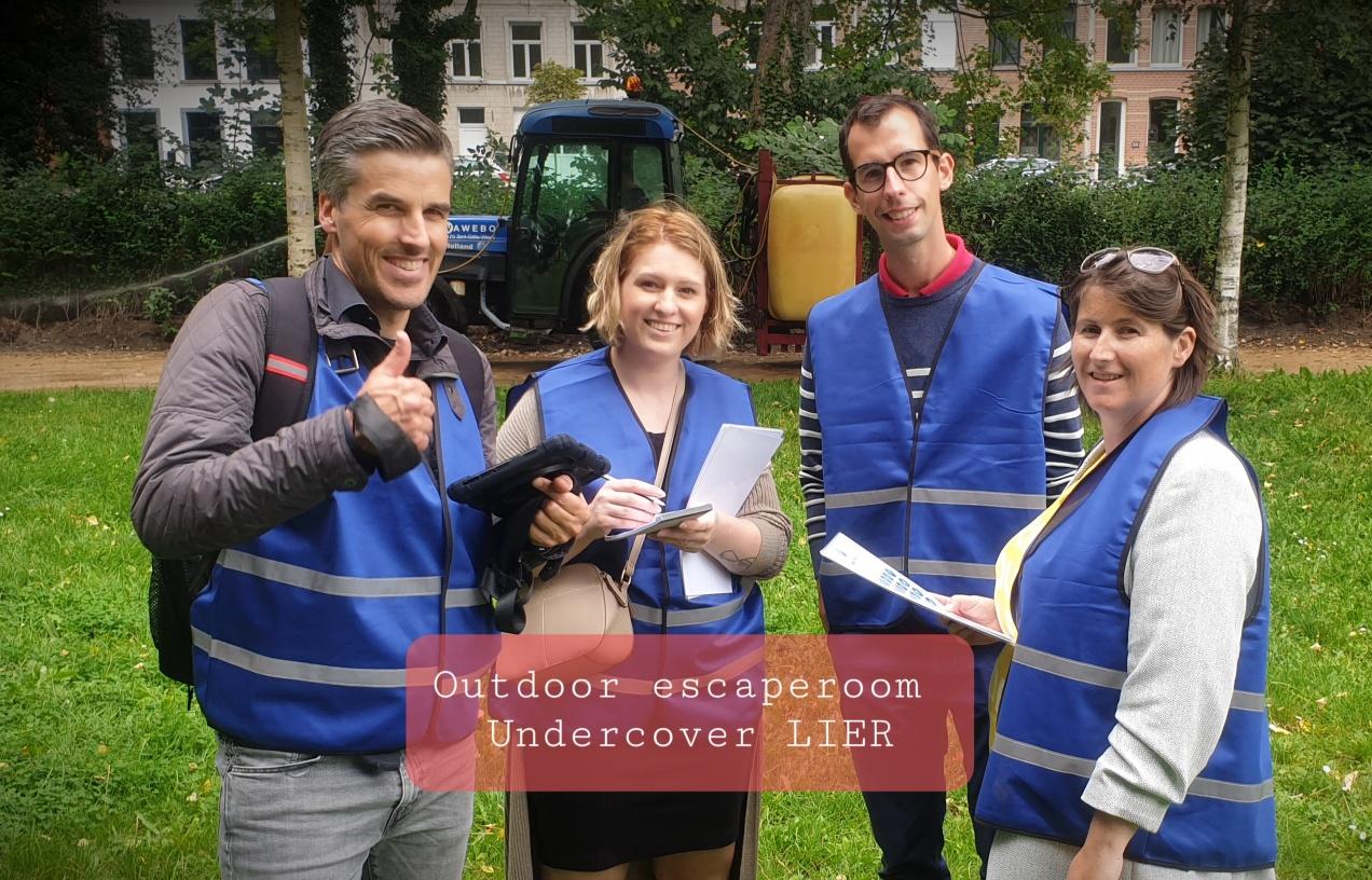 Outdoor escape room team